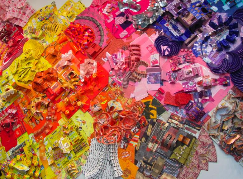 инсталляции из бытового мусора