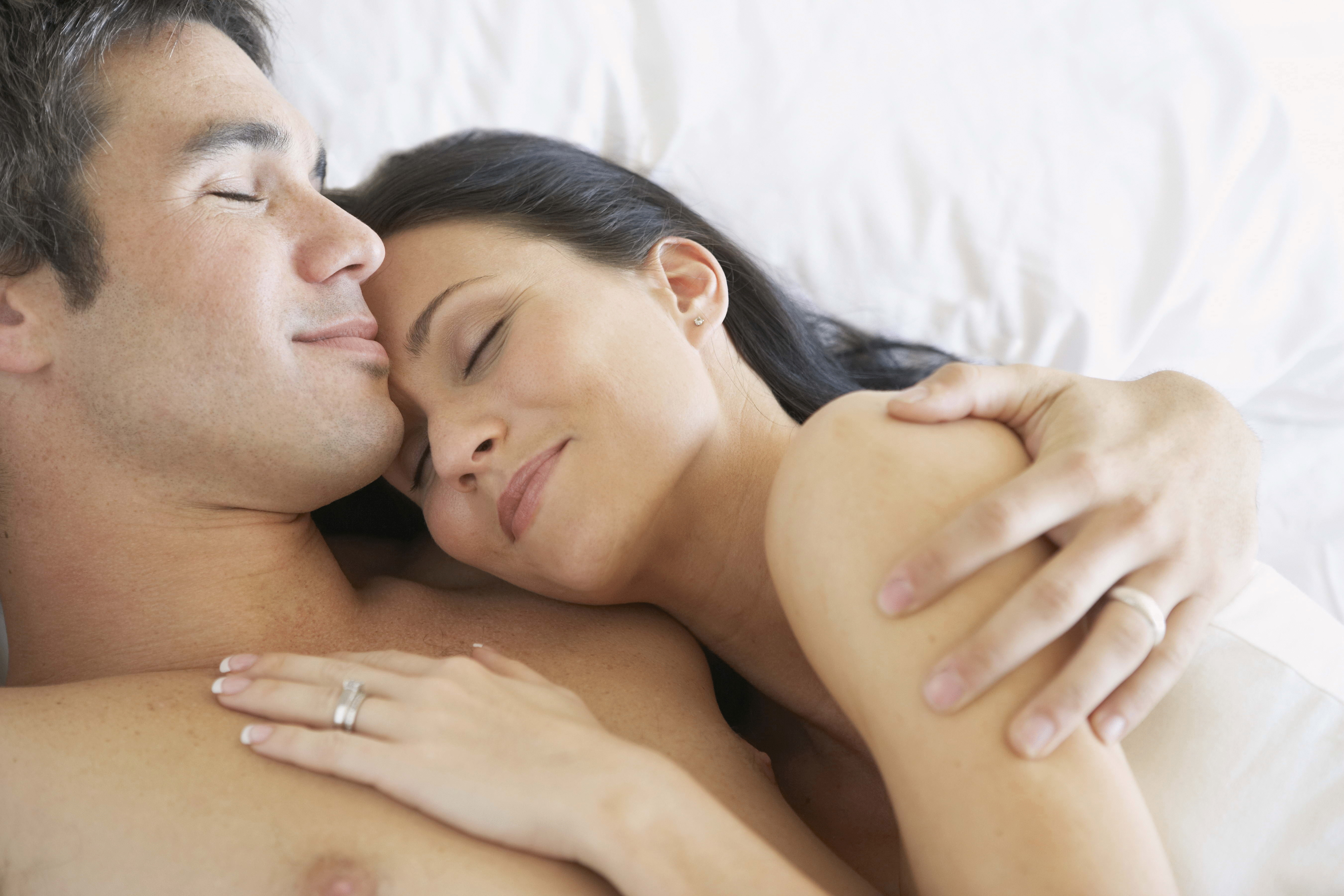 Почему женщинам следует больше спать.
