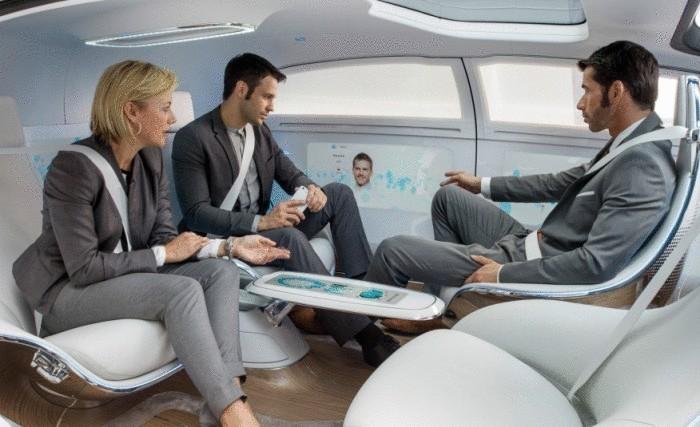 """На днях """"Мерседес"""" с размахом провел живую премьеру суперконцепта F 015 Luxury, на которой представители компании продемонстрировали и первый проморолик. Мы предоставляем нашим читателям уникальную возможность увидеть это ролик и узнать о новом авто, ставшим взглядом в будущее известного бренда."""