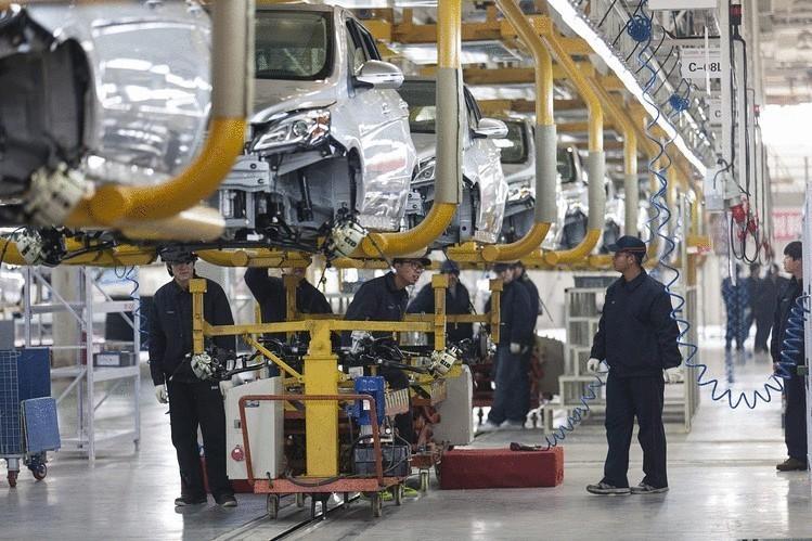 Китай в 2015 году втрое увеличил производство электромобилей и гибридов