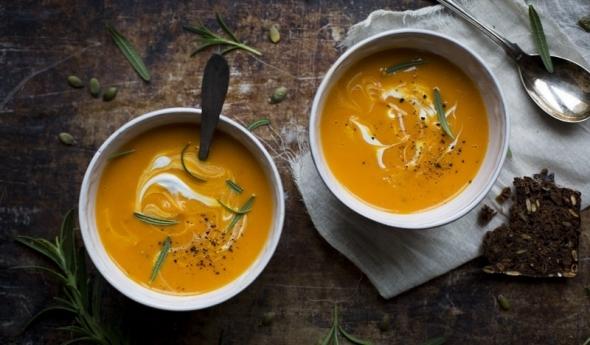 Пряный тыквенный суп со сливками
