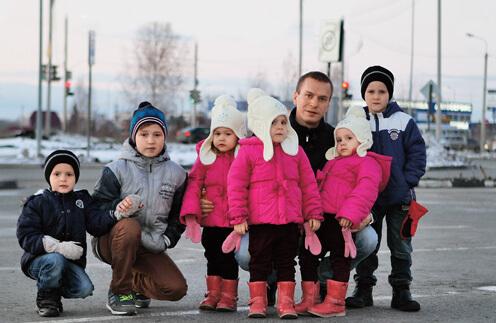 После сметри жены он в одиночку растил 6 детей