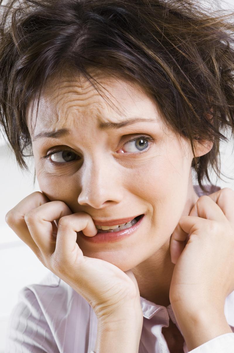 Боль в шее, тревожность, раздражительность у девушки