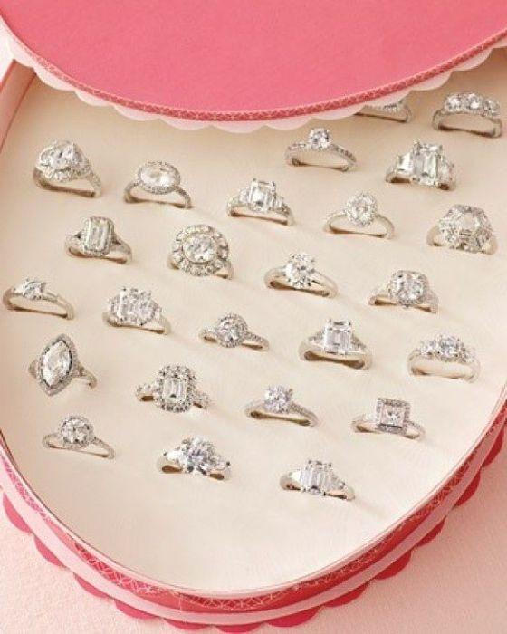 Позволить невесте выбрать кольцо самостоятельно.