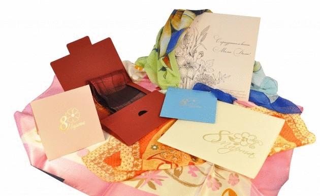 Платок в подарочной упаковке